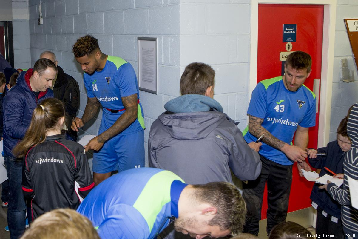 Young Pars Meet the Players